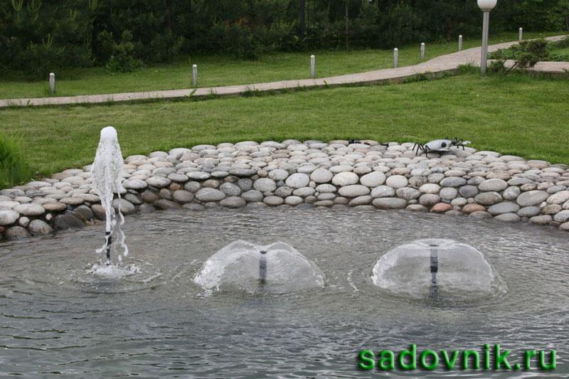 устройство искусственного водоема с фонтаном
